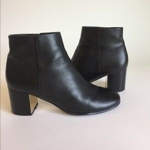 Tory Burch Black Leather Ankle Boots size 8M.